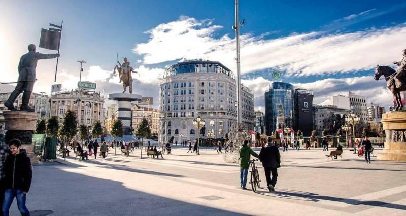 Ах бе сдсмовчиња, споменик за Александар Македонски во центарот на Скопје изгласа СДСМ кога беа мнозинство
