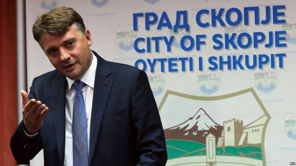 Шилегов конечно се стави во акција – вечерва Скопје ќе биде со исчистени улици