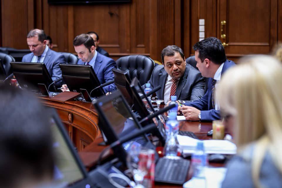 Од кабинетот на Анѓушев тврдат дека тој не му влијаел на Дураку за да го продолжи рокот за градба на хидроцентрали