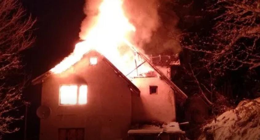 Изгоре куќа кај УКИМ