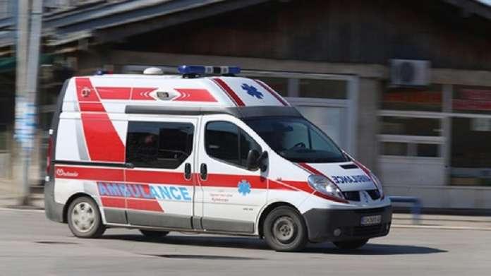 Повозрасен маж паднал во приватен автобус, со тешки повреди завршил во болница