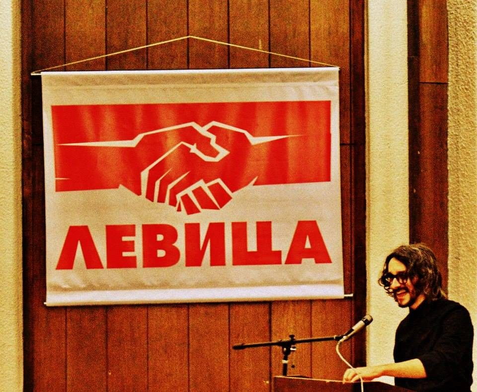 Левица: Чесните Албанци повеќе нема да војуваат за фотељите на Груби и Ахмети, ниту за лимузините на Мерко!