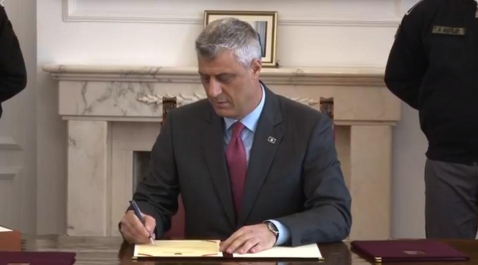Тачи потпиша декрет за распуштање на косовското собрание