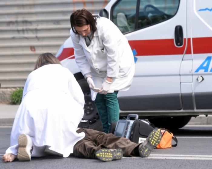 Скопјанец бил претепан пред дискотека, пронајден во бесознание