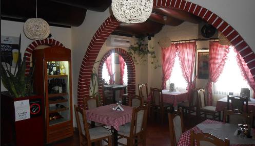 Охриѓани направиле хаос во ресторан: Едниот не давал никој да влезе во локалот, другиот тепал гости