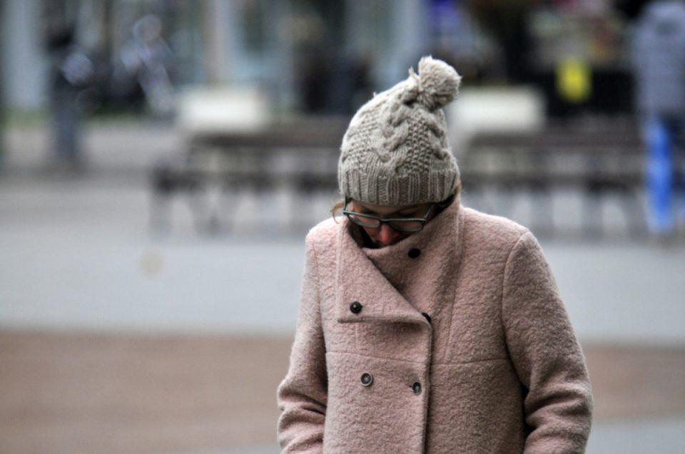 Постојано ви е ладно и не можете да се затоплите: Ова се причините!