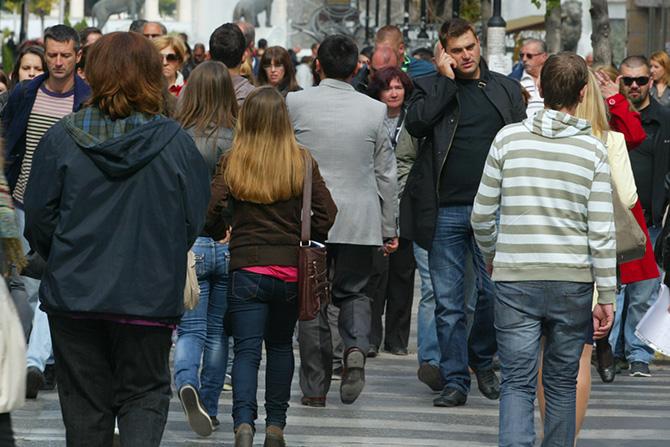 Се повеќе млади ја напуштаат Македонија