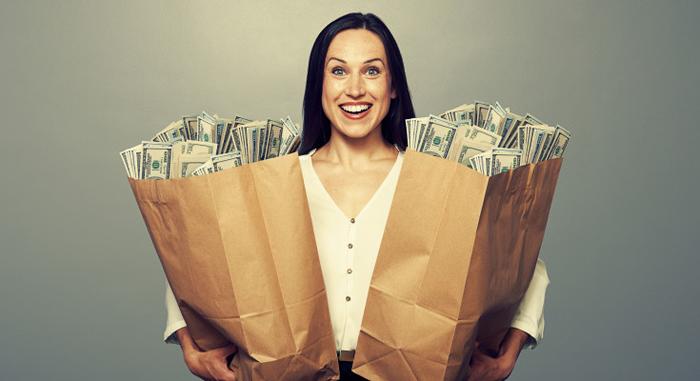 Затоа немате пари: Фpлете ги овие работи од паричникот…