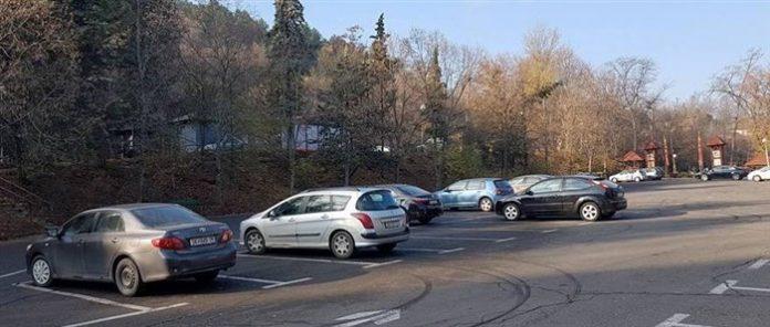 33-годишна жена нападнала 18-годишна девојка на паркинг на Средно Водно