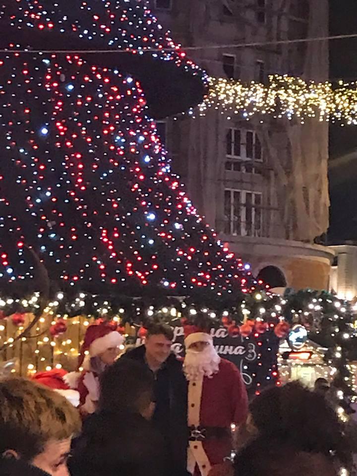 Шилегов потрошил неверојатни 741 илјади евра за новогодишно китење, но пари за депонијата Вардариште сѐ уште нема