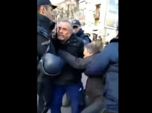 Полицијата вчера насилно го спречи протест во Скопје!