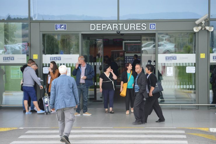 Струмичанец уапсен на скопскиот аеродром