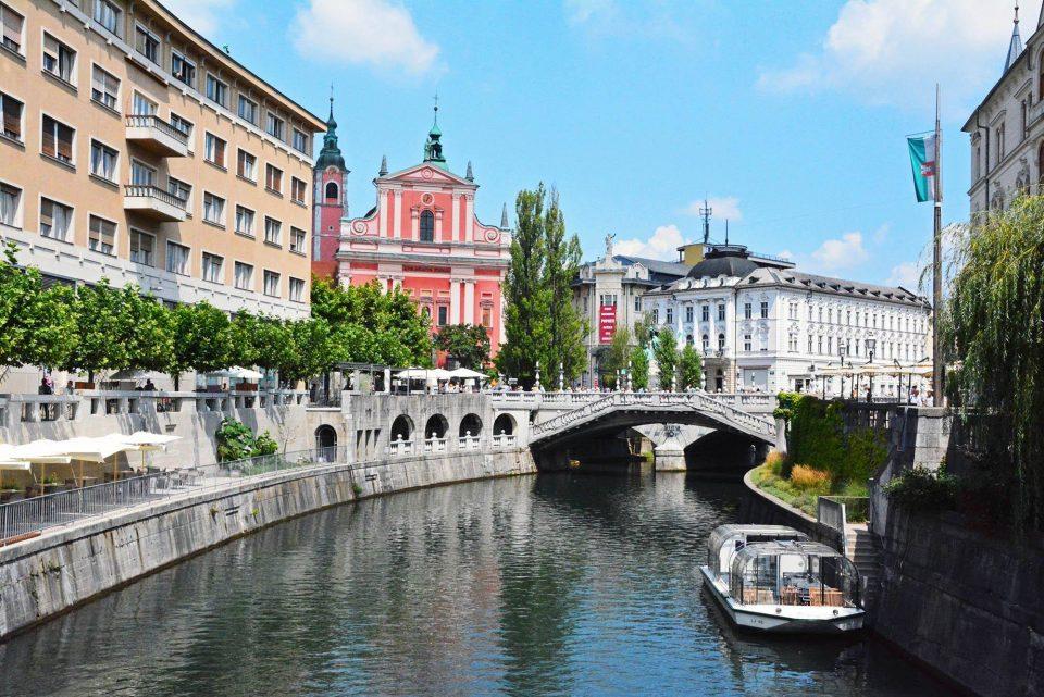 Влегувањето во Словенија од денеска со негативен брз тест