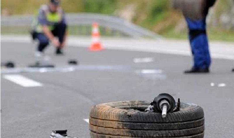Тешка сообраќајка се случи попладнево кај Гостивар, најмалку 6 провредени