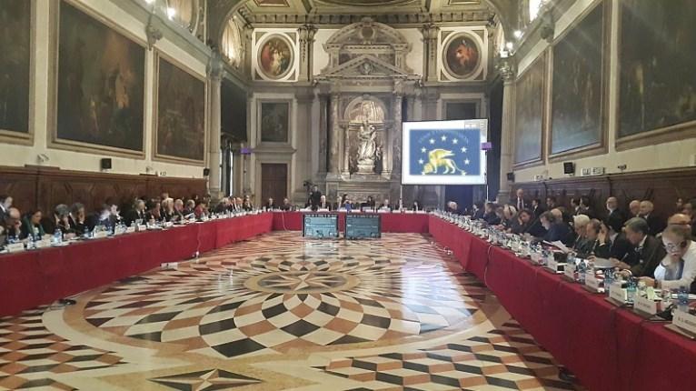 Венецијанската комисија ќе излезе со конечниот извештај за Законот за јазици