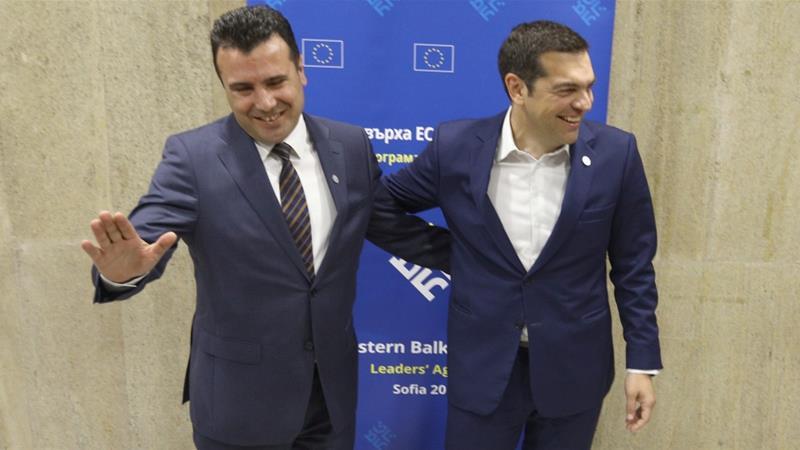 Ципрас со честитка до Заев: Се расчистува патот на ФИРОМ кон НАТО