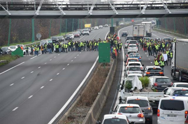 """Десетта жртва на протестите на """"Жолтите елеци"""""""