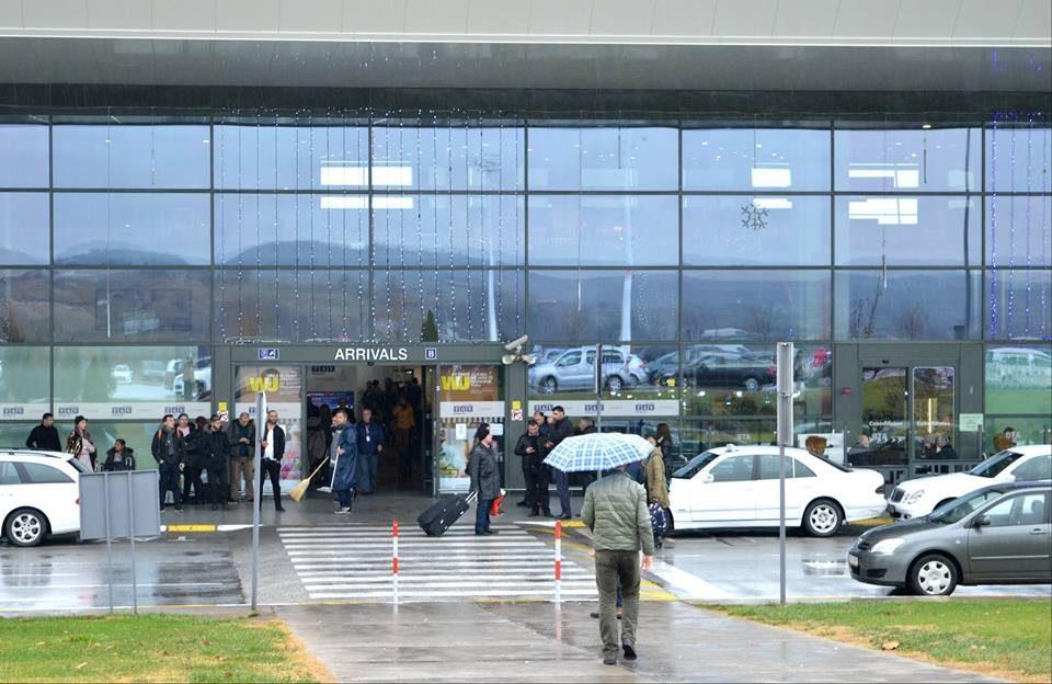 Педофил во бегство уапсен на скопскиот аеродром