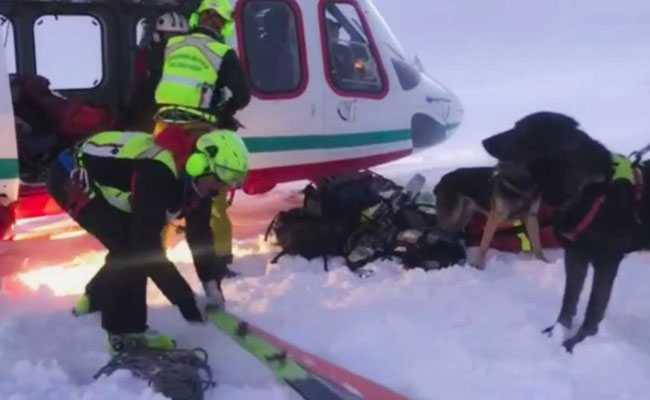 Судир на авион и хеликоптер, седум загинати