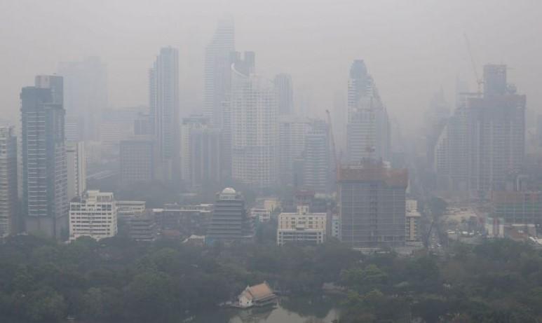 Поради загаден воздух затворени училиштата во Бангкок, ќе се прска со сок од шеќерна трска
