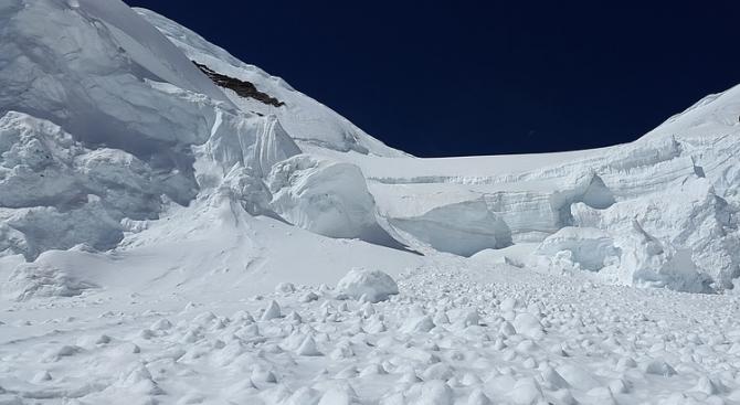 Загинати грчки скијачи во Банско, по две лица се трага