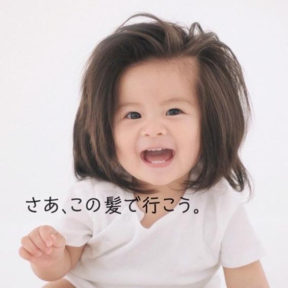 Слатка бушавка: Девојчето кое стана хит со бујната коса ја сними првата реклама