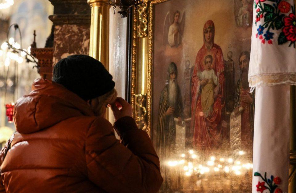 Утре посебен сообраќаен режим околу Соборниот храм поради Бадникова поворка