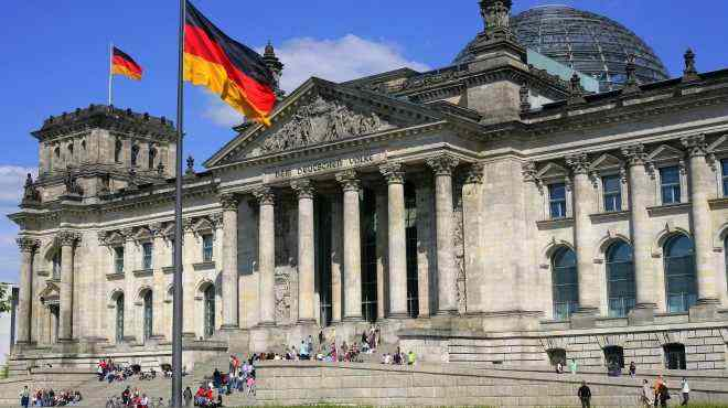 """""""HH 1933"""": Германија ги забрани регистарските таблички што потсетуваат на Хитлер"""