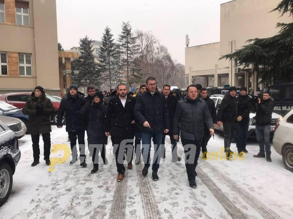 Лидерот Мицкоски и сопартијците се приклучија на протестот