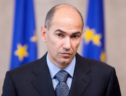 Јанез Јанша казнет со 6.000 евра поради навреда врз новинарки, ги нарекол проститутки