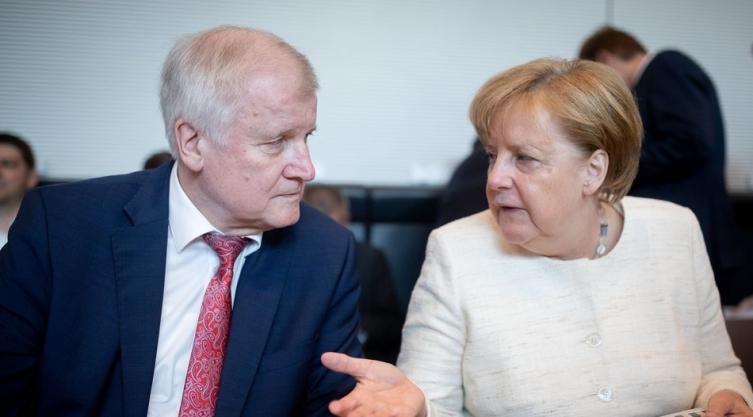 Хакери украле милиони податоци на политичари и познати личности во Германија