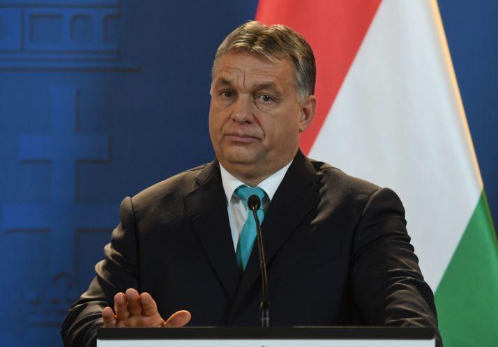 Орбан: Семејствата со најмалку две деца ќе добијат субвенции за куќа и автомобил и уште нешто
