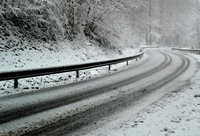 Снег на Попова Шапка и Маврово, забрана за камиони на патот Маврово – Дебар и Гостивар – Кичево
