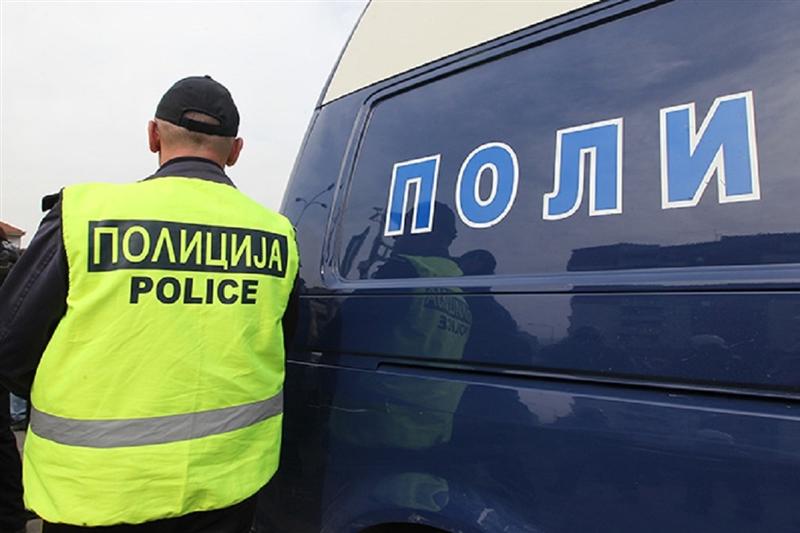 Такси возило удрило дедо и внук на пешачки премин во Штип
