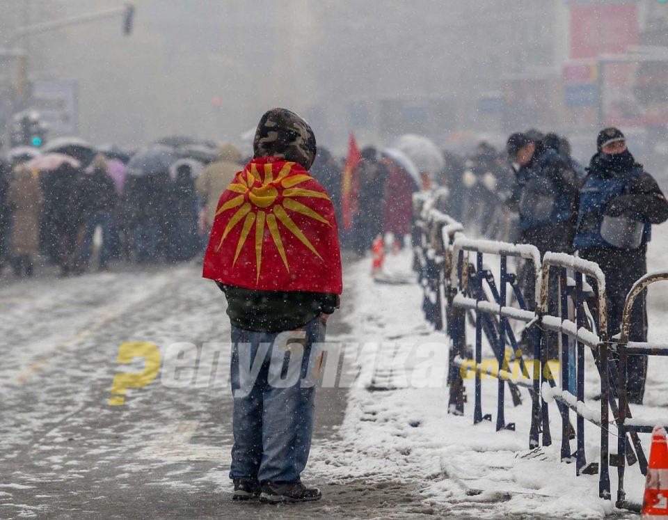 Изборот е помеѓу кариерата на Заев или иднината на Македонија