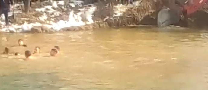 Ископана дупка од багер – причина за давењето на момчето од Ранковце кое скокаше по крстот