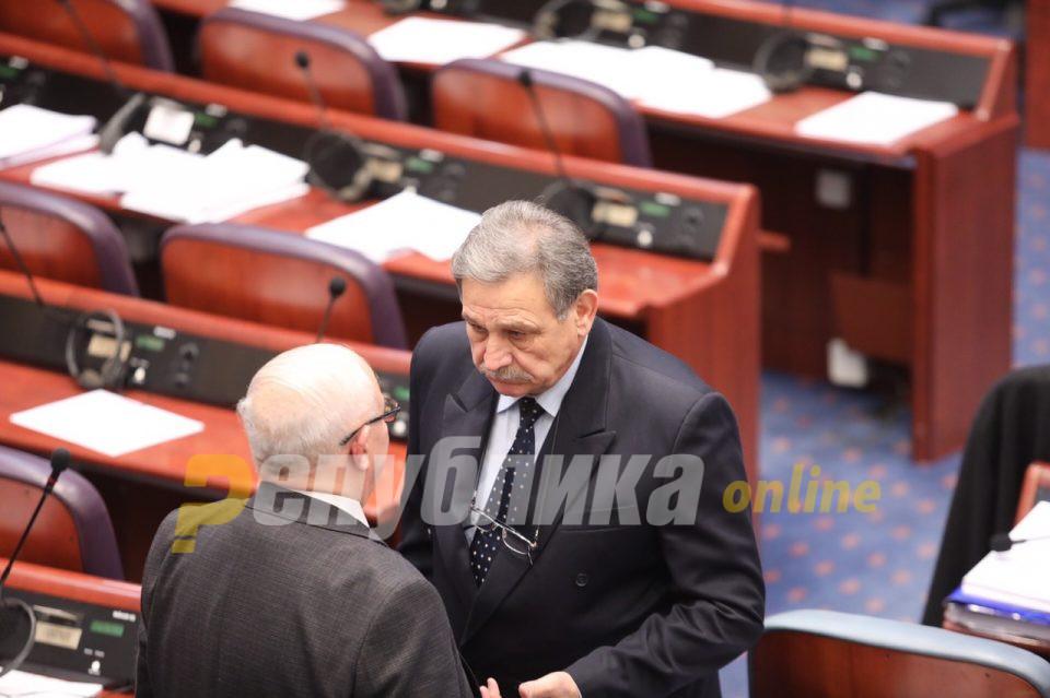 Заев: Панчо Минов ќе гласа за уставните измени