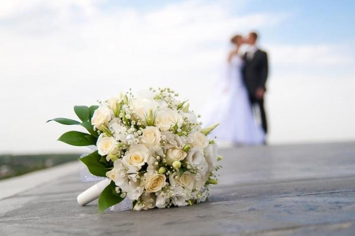 Велешанка наместо со сопругот ја венчале со сведокот