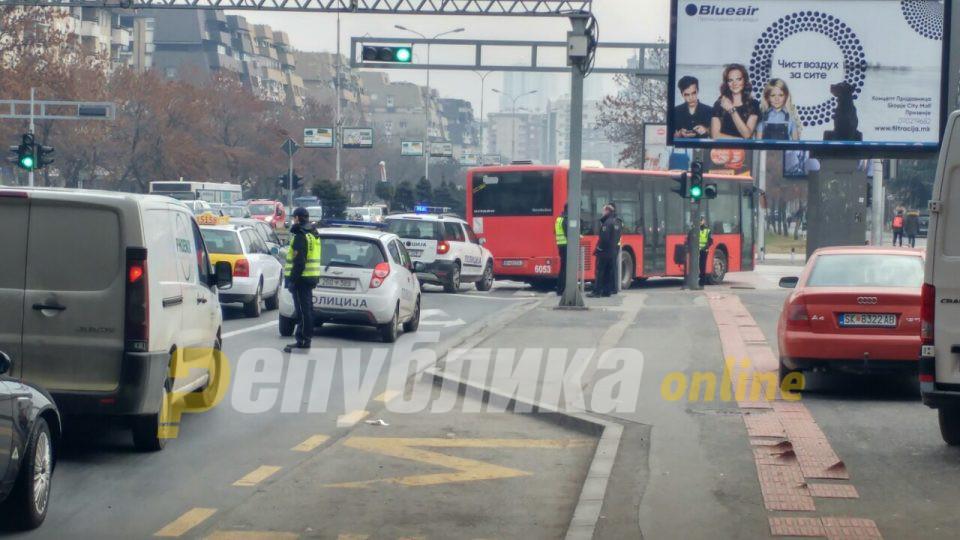 Од 245 казнети возачи вчера во Скопје, 35 биле без возачка