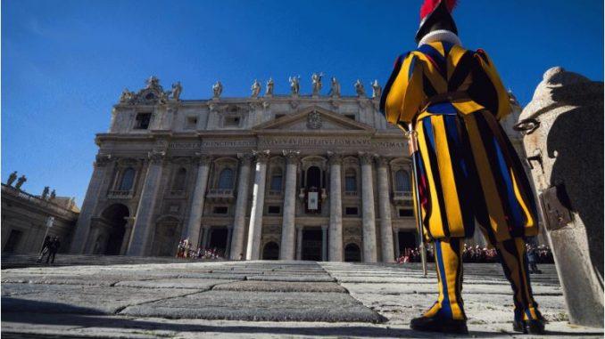 Од 1 октомври Ватикан ќе дозволува влез само со здравствен сертификат за Ковид-19