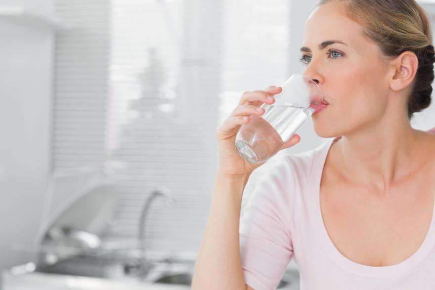 Водена диета: Изгубете половина килограм дневно