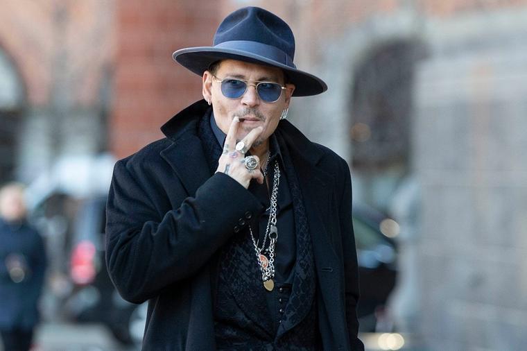 Холивудската ѕвезда Џони Деп пристигна во Белград