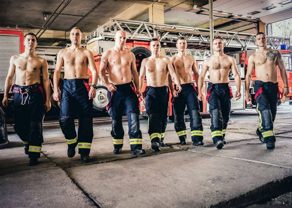 Македонските пожарникари на календар