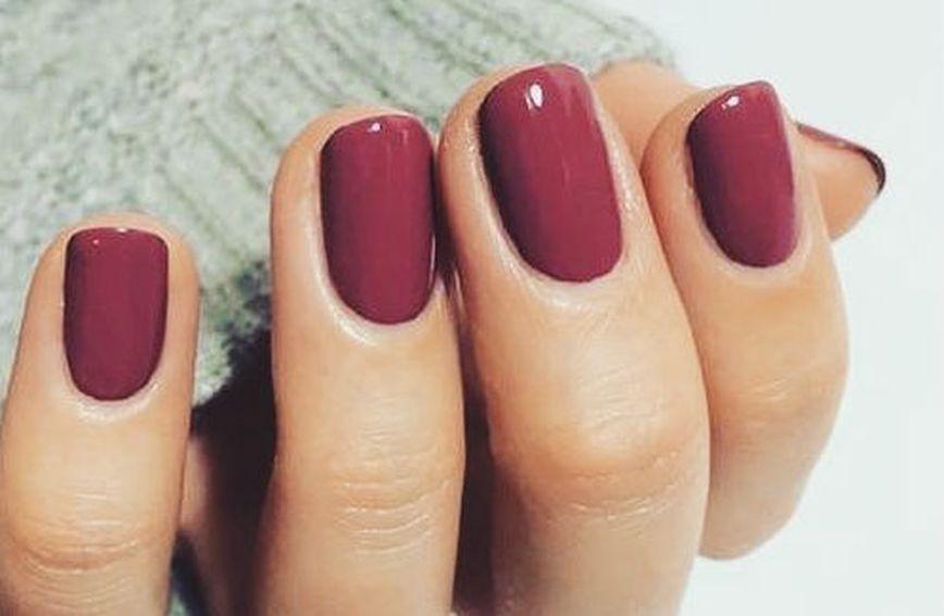 Сите ја сакаат оваа боја на лак за нокти!