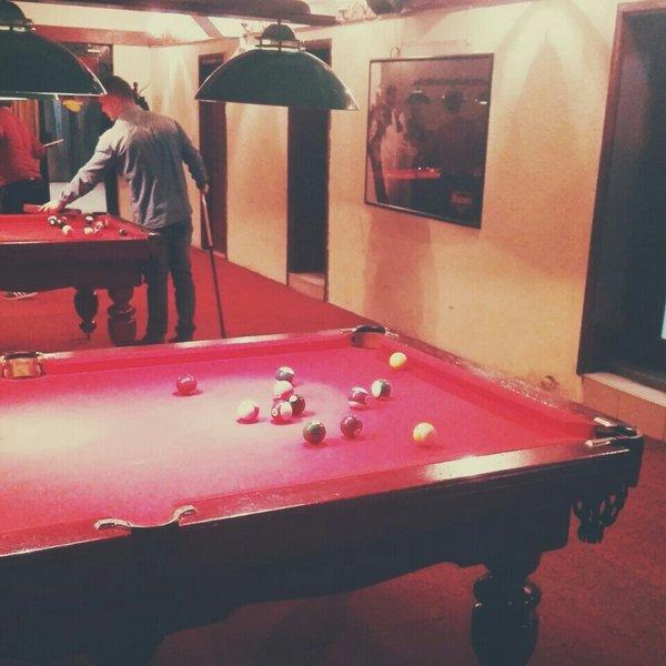 Скопјанец претепан по полноќ во билијард-клуб