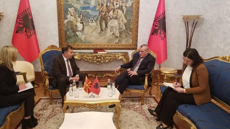 Албанската влада ја усвои одлука за прием на Македонија во НАТО