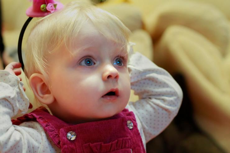 """Двегодишно дете од Србија стана зависник откако 7 часа на ден гледало """"Пепа прасе"""""""
