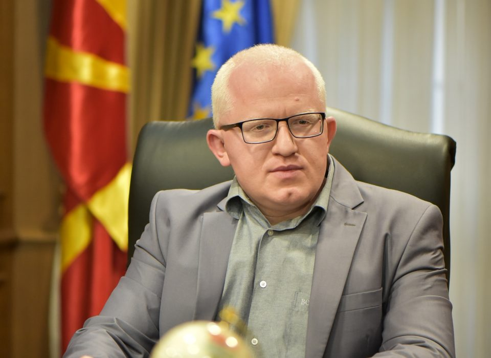 Ромската заедница навредена: Политичарите го штитат Рашковски