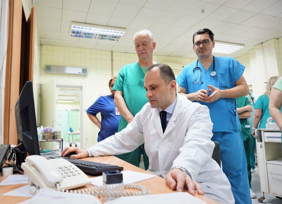 Се зголемува бројот на нови заразени со коронавирус, нови рестрикции засега ќе нема