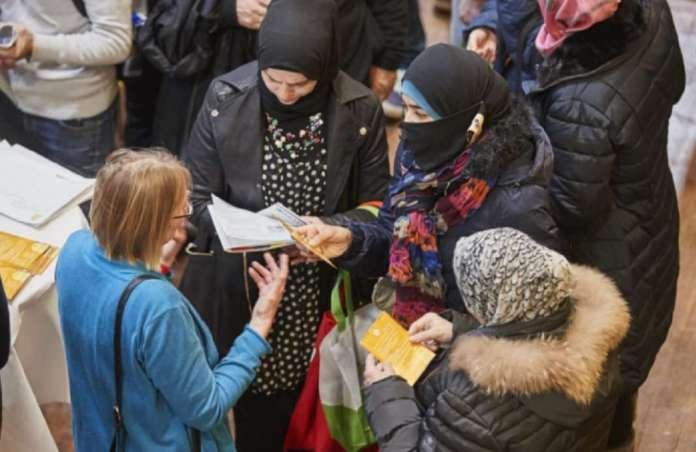 Расистички напади врз тинејџерки мигрантки во Германија